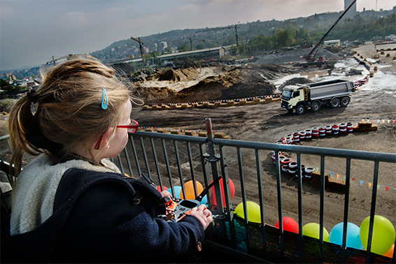 Volvo FMX remotely driven by a four-year-old child