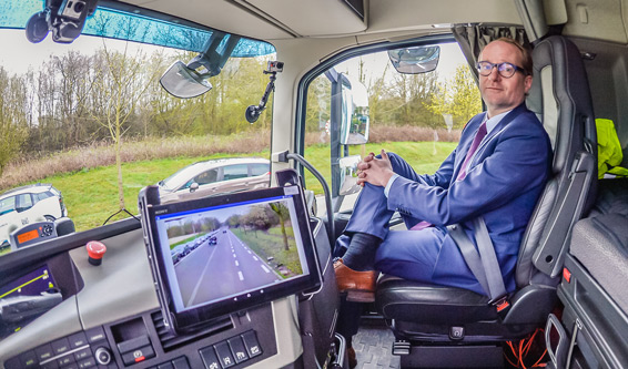 Ben Weyts, the Flemish minister of transport , get firsthand platooning experience.