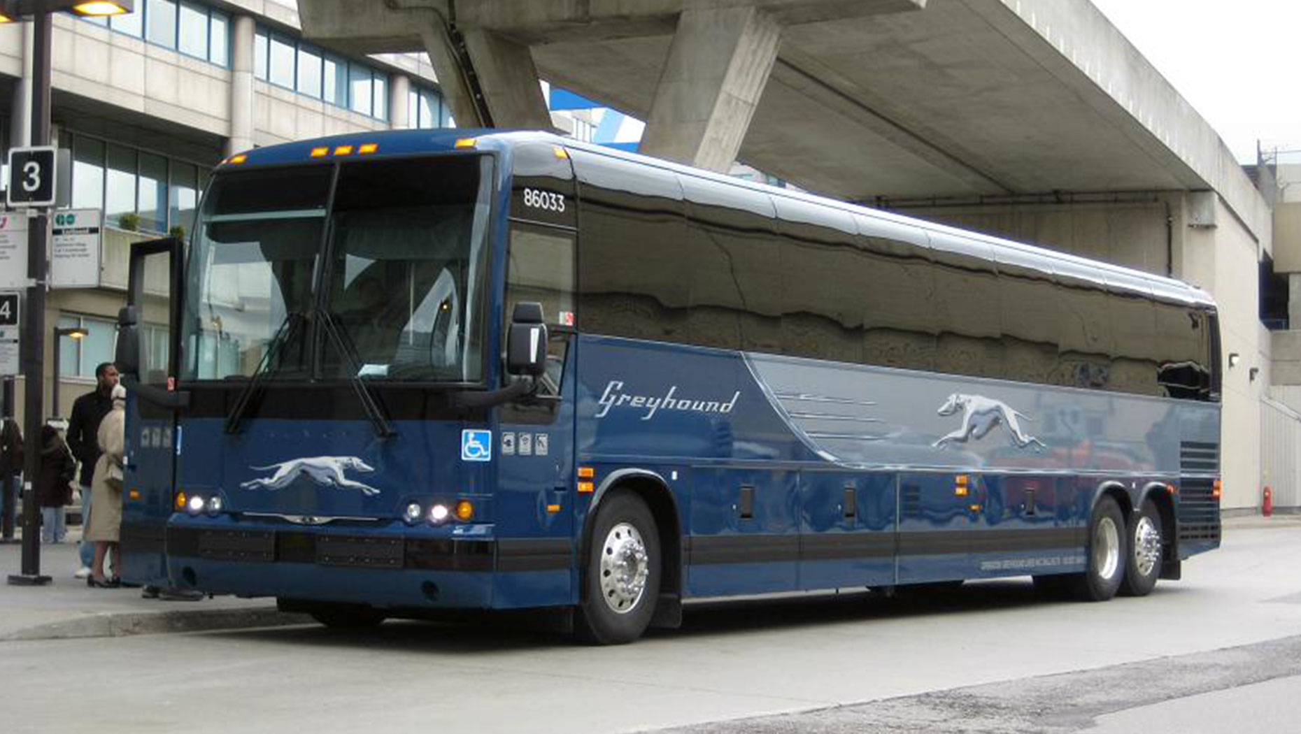 Prevost-Greyhound