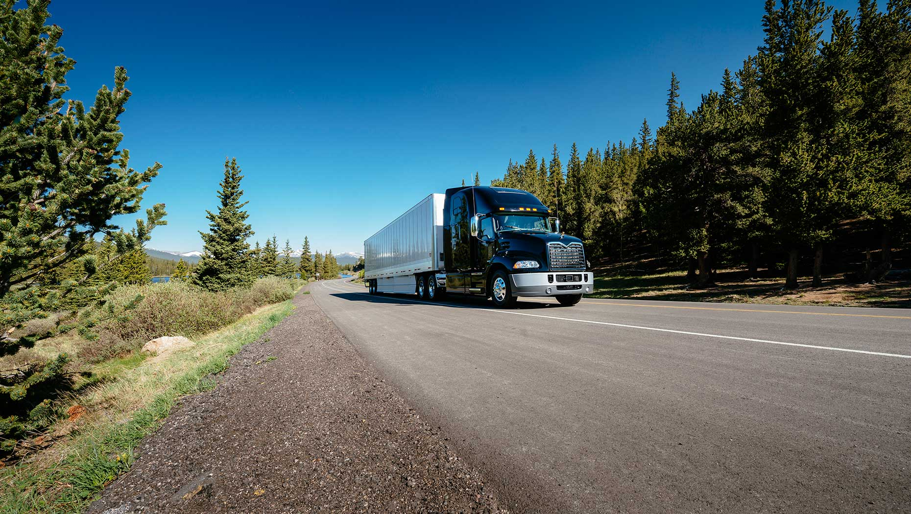 Mack Highlights Fuel-Efficient, Powerful Highway Models at 2017 Mid-America Trucking Show
