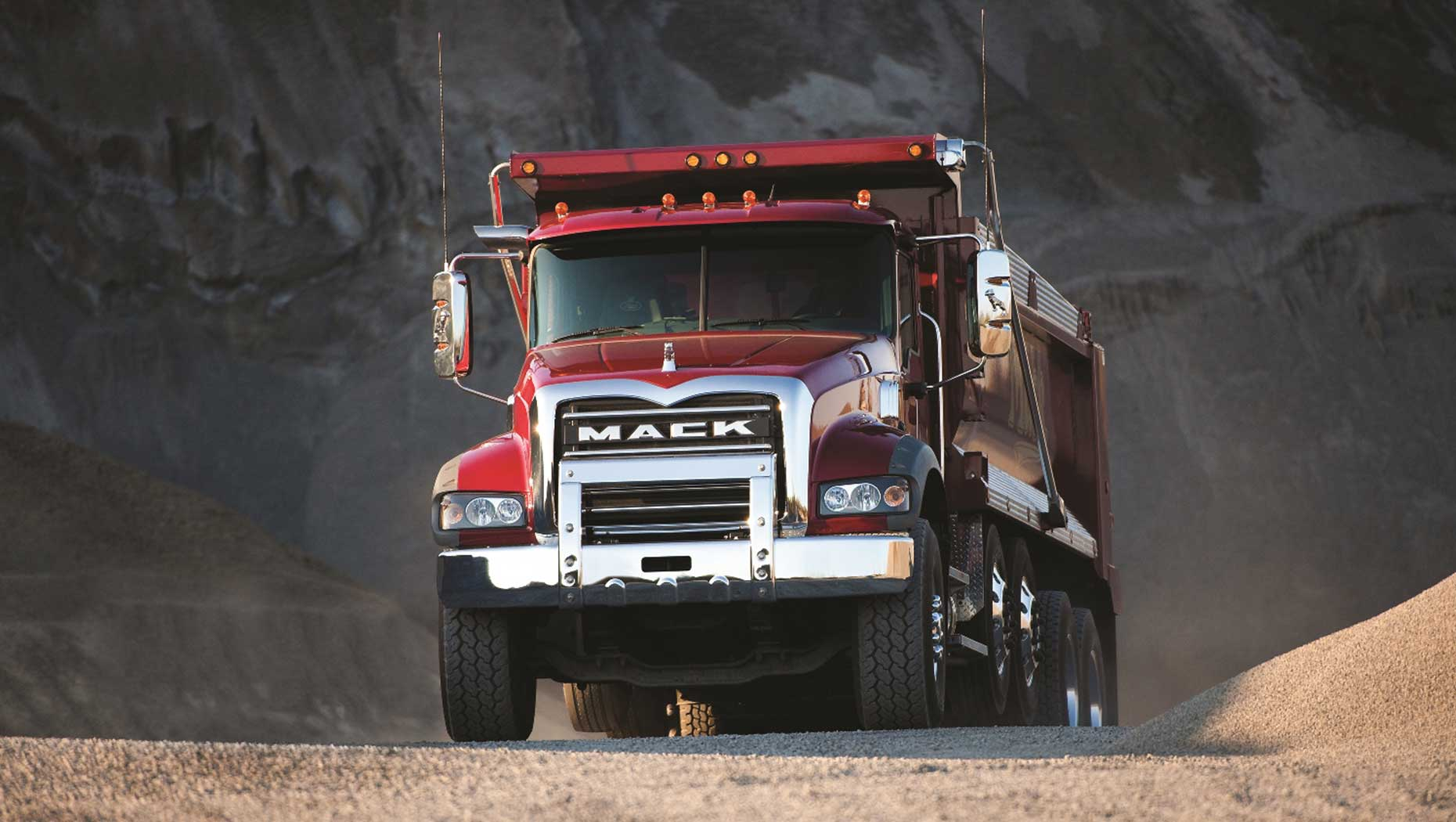 Mack Trucks Extends Uptime Commitment to Legacy Vehicles