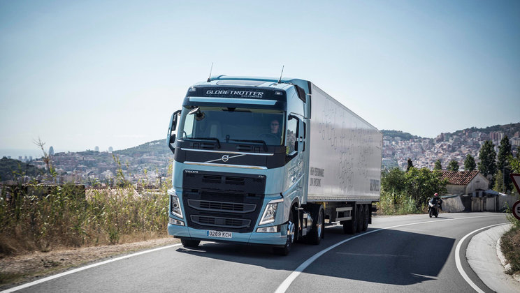 Volvo Trucks wins Sustainable Truck of the Year 2018