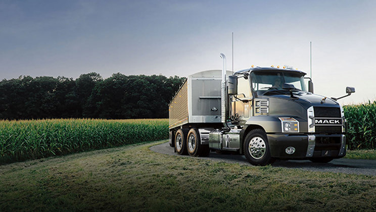 Mack Anthem™ Featured at 2017 Tank Truck Week