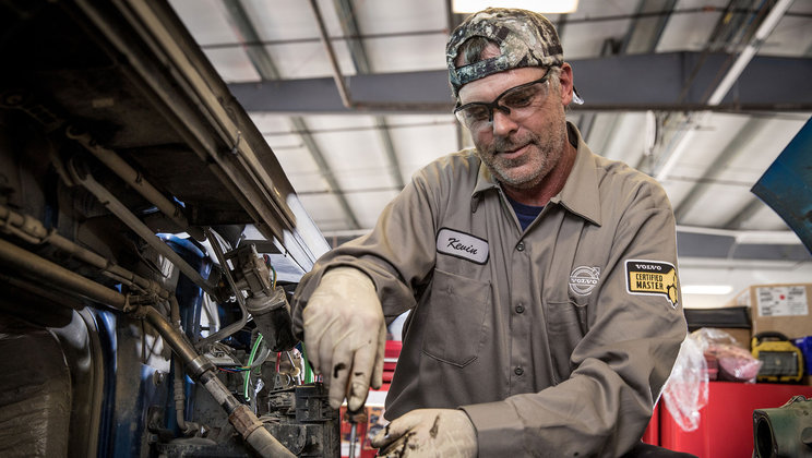 Volvo Trucks Expands Advanced Diesel Technician Training Focus with New Technical College Partnerships