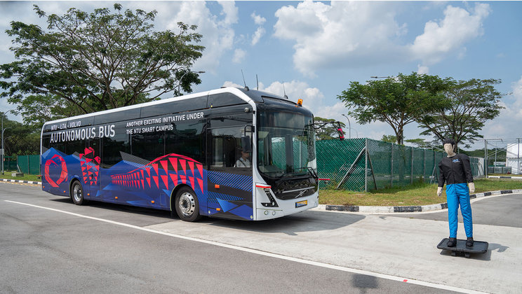 World's first full size autonomous electric bus