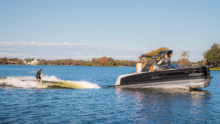 "Avalon and Volvo Penta ""Change the Toon"" of Boating with New Waketoon Surf Series"