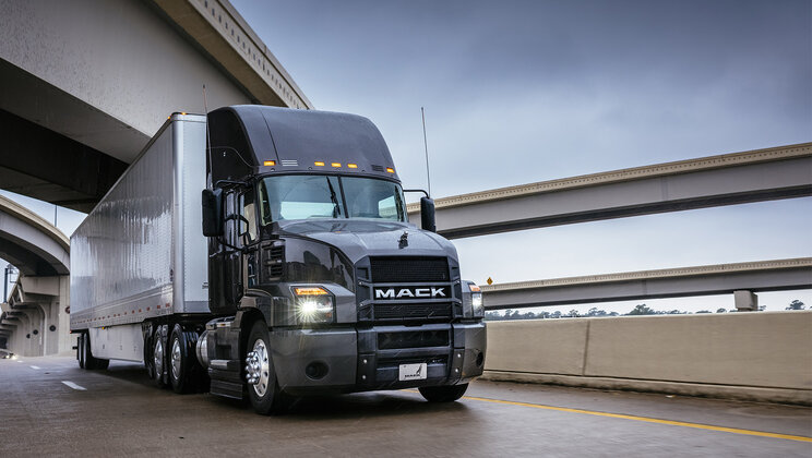 Mack Anthem Day Cab Models Receive U.S. EPA SmartWay Certification