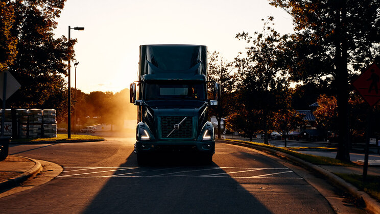 Volvo Trucks North America Announces Launch of VNR Electric Model in United States, Canada