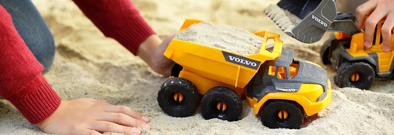 Samenwerking is van essentieel belang voor vooruitgang op het vlak van verkeersveiligheid. De Volvo Group is betrokken bij veel partnerschappen.