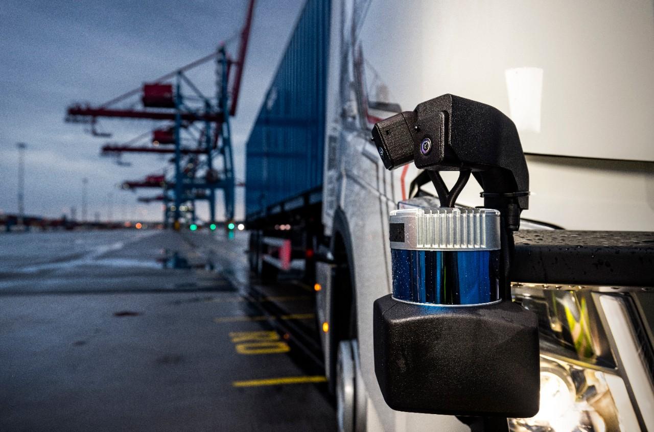 2021-05-11  Skandiahamnen, Göteborg. Volvo Trucks.  Volvo Autonomous Solutions. Självkörande lastbil under inlärningsfasen.  © Photo by Sören Håkanlind / Copyright
