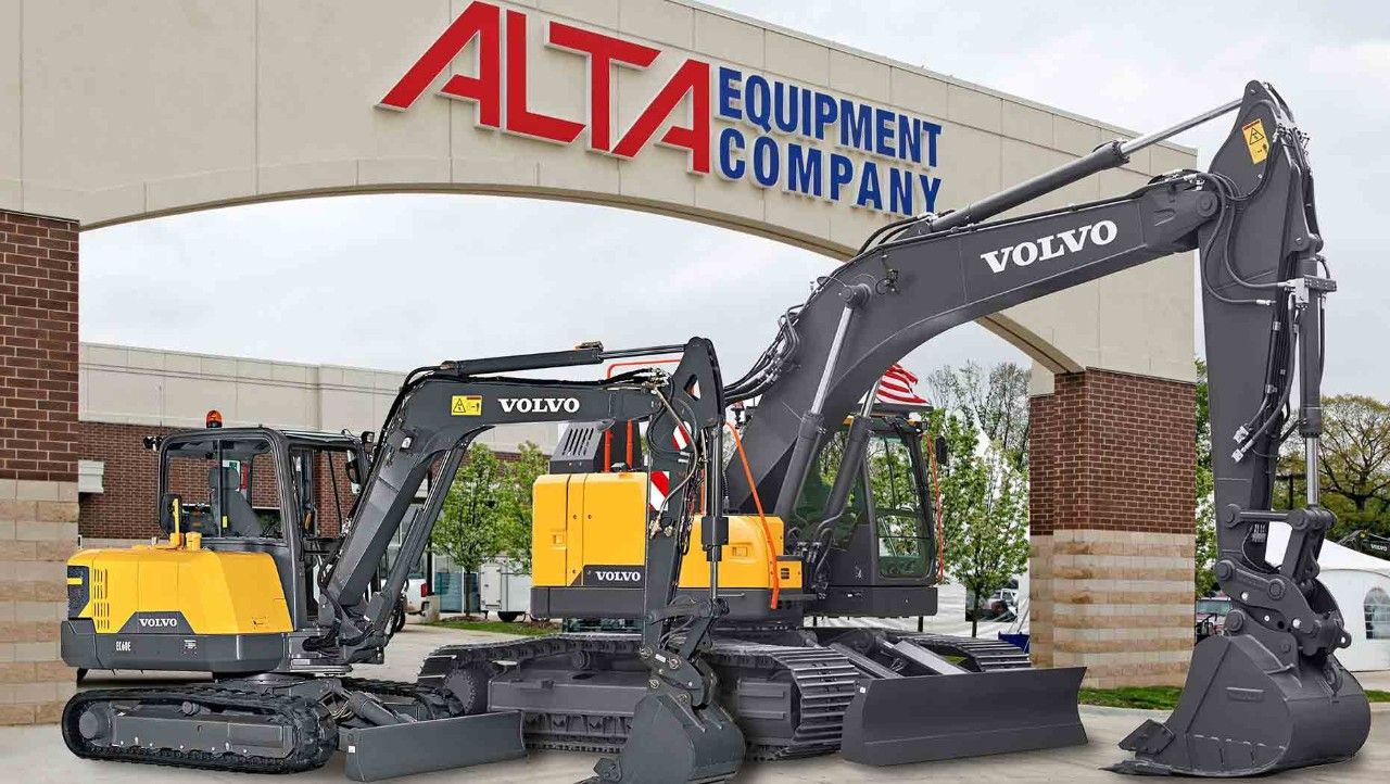 Alta-Equipment-receives-Volvo-CEs-Dealer-of-the-Year-Award-2