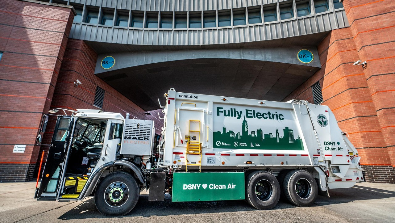 Mack® LR Electric Model Begins Service with  New York City Department of Sanitation