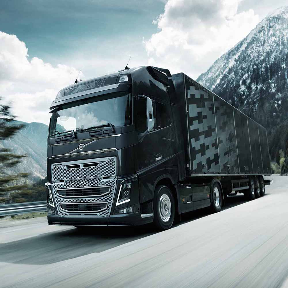 Volvo FH 16 media gallery on the road